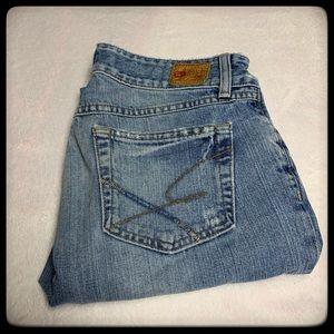 BKE Capri jeans size 29z. Light wash and EUC